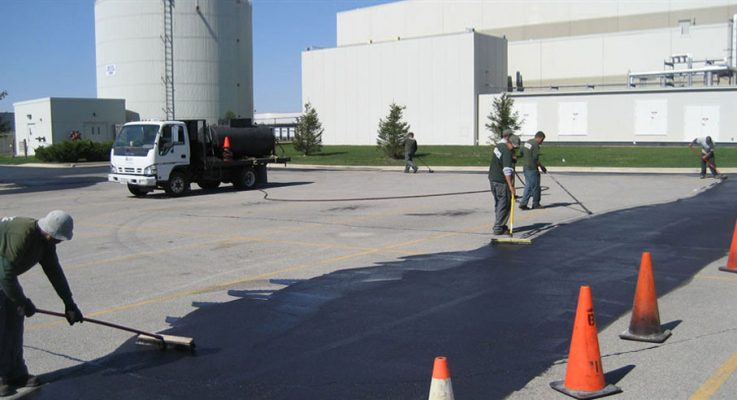 5 Tips for Maintaining an Asphalt Parking Lot